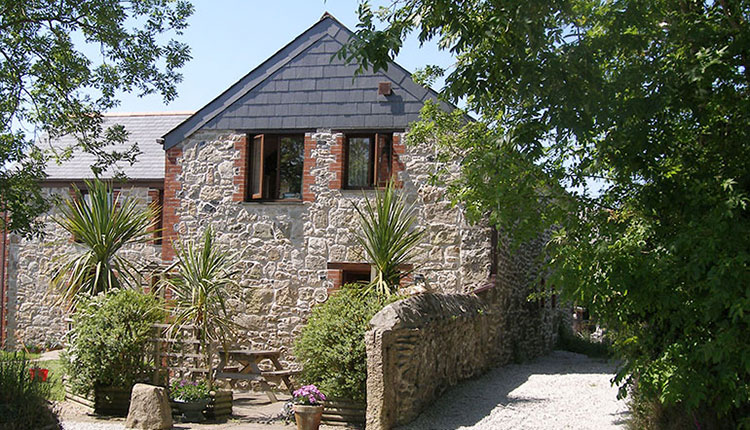 Higher Menadew Farm Cottages
