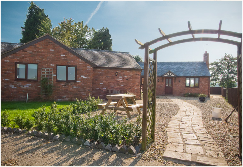 Farming Uk Millmoor Farm Holiday Cottages Cheshire