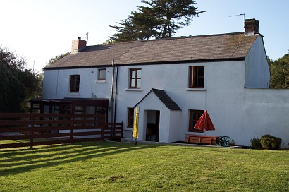 Burton Farmhouse - Self Catering