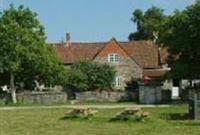 Mapleleaf Middlewick Cottages