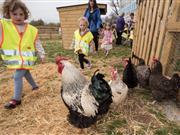 All primary schools should be 'twinned' with farms, Chris Packham says