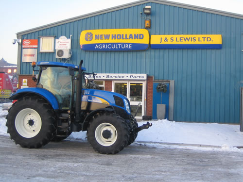 New Holland Dealership : New holland appoint dealership in lancashire farming