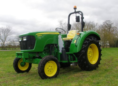 New two-wheel drive version of the <a href='javascript:void(0)' class='keyword' id='9' style='text-decoration:underline;color:blue' >John Deere</a> 5055E 55hp utility tractor