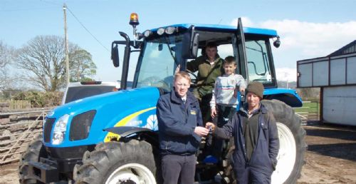 New Holland dealership expands