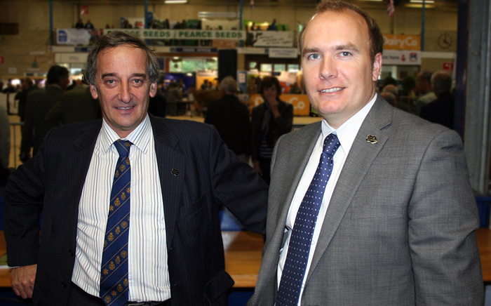 National dairy board chairman Mansel Raymond (l) and chief dairy adviser Rob Newberry