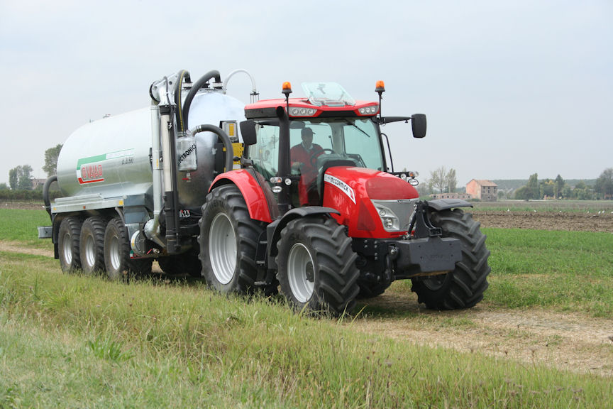Test driving a pre-production McCormick X7 Series tractor helped convince Bryan Hoggarth to switch brands.