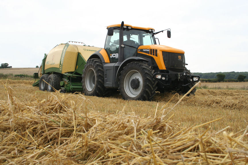 A good slug of power and torque, a CVT transmission for the ideal baling pace, unequalled ride comfort and a fast turn of speed between jobs make the JCB Fastrac 8310 an ideal contract baling tractor.