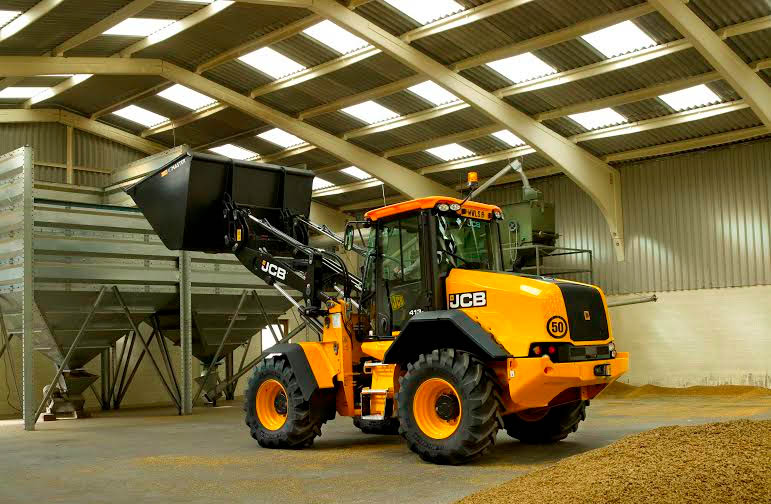 JCB set to showcase new loaders at LAMMA