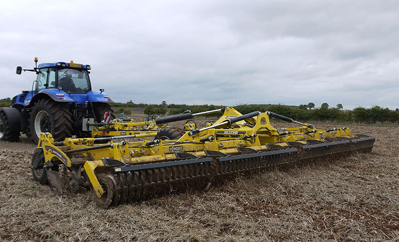 Knight to show Bednar cultivators at LAMMA 2014