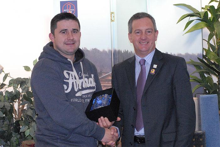 Gareth Daniel Shearing Personality of the Year 2013 with David John of Lister Shearing Equipment Ltd