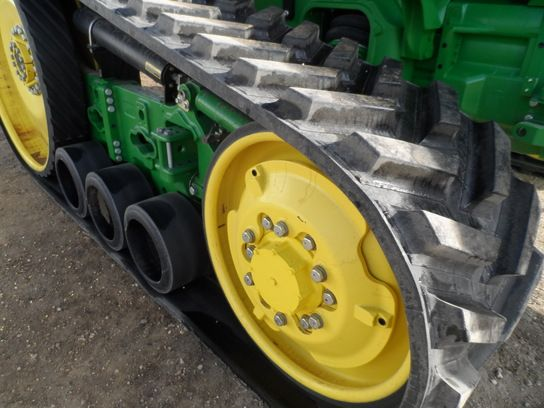 Part of JD8RT undercarriage