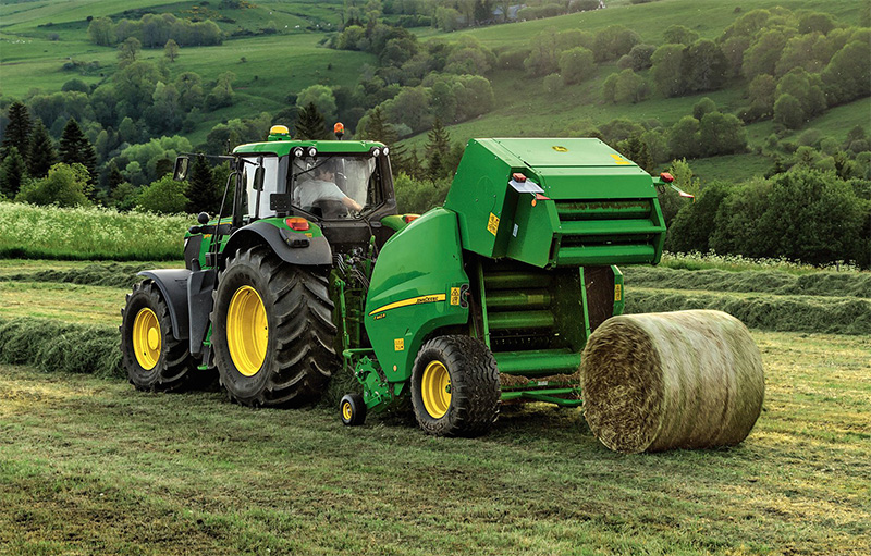 New <a href='javascript:void(0)' class='keyword' id='9' style='text-decoration:underline;color:blue' >John Deere</a> balers unveiled at Grassland