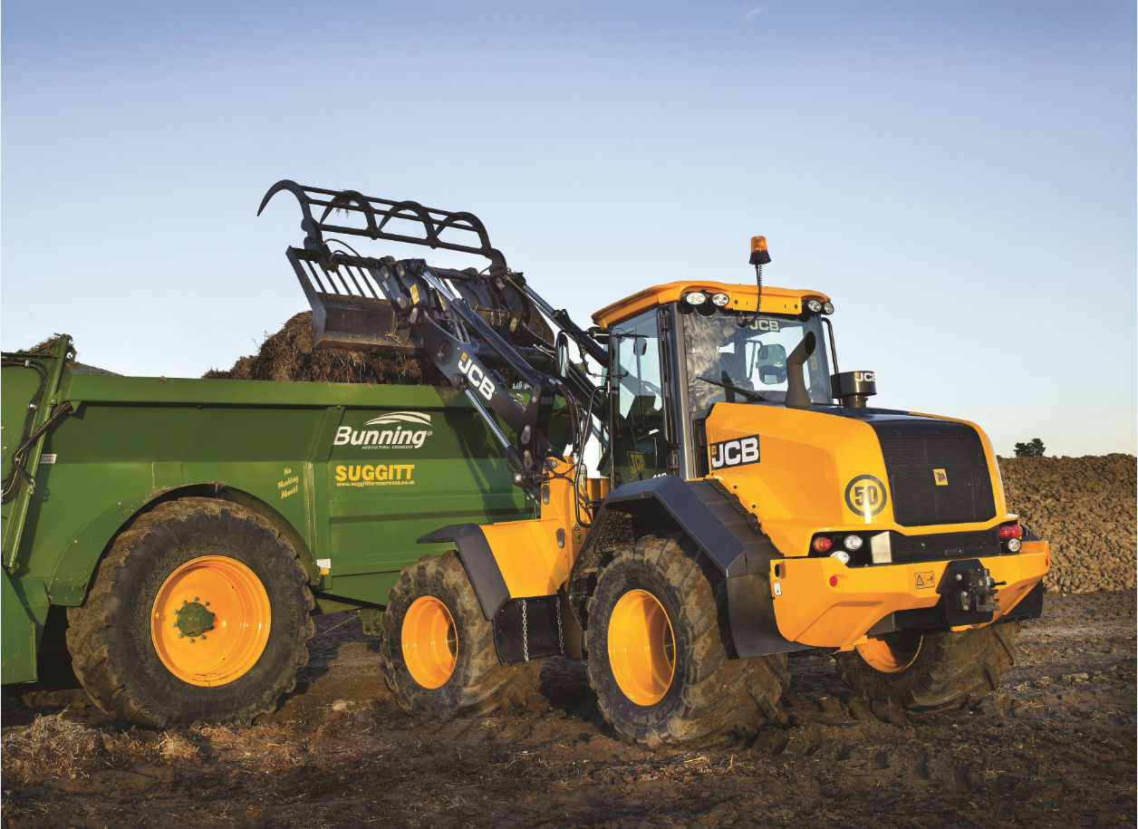 The new JCB Farm Master 418S Agri replaces the 414S/416S models with a new chassis, more power and a new lock-up torque converter.