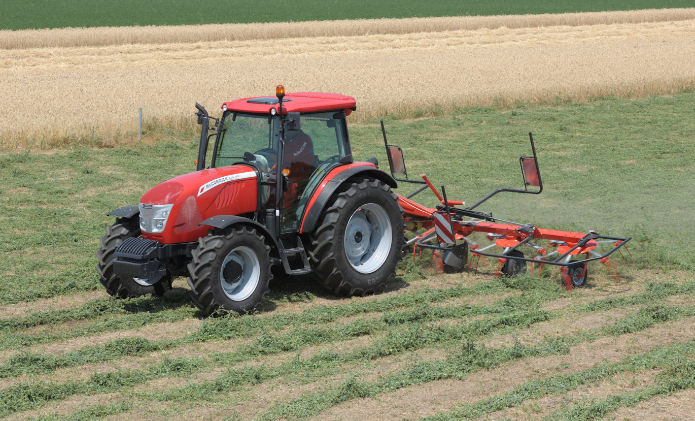 The Power Plus version of the McCormick X50.40 has engine outputs of 105hp for draft work and 113hp for pto and transport operations. It also has a 36x12 power shuttle transmission with three power shift steps.