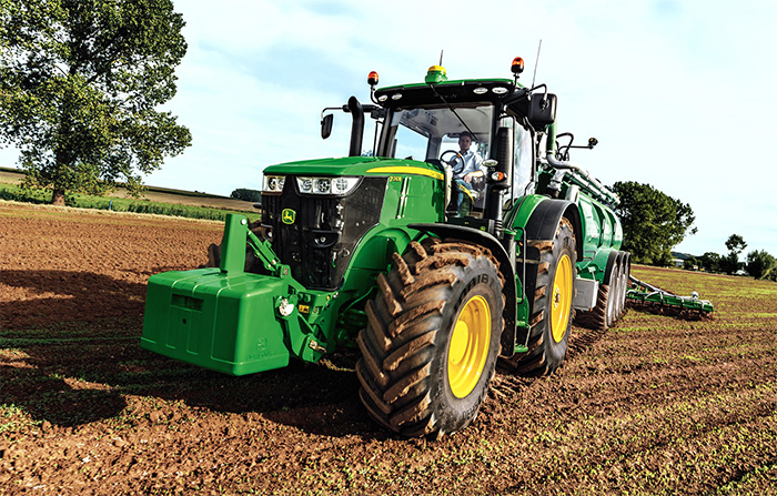 New <a href='javascript:void(0)' class='keyword' id='9' style='text-decoration:underline;color:blue' >John Deere</a> tractor to make Cereals 2014 debut