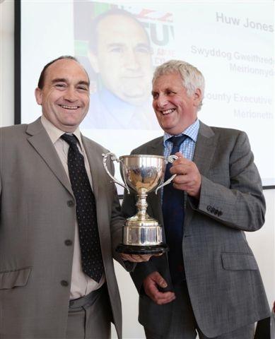 Huw Jones (left) and Glyn Roberts.