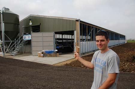 Contract finishing offers way into pigs farming uk news for Contract to build a house