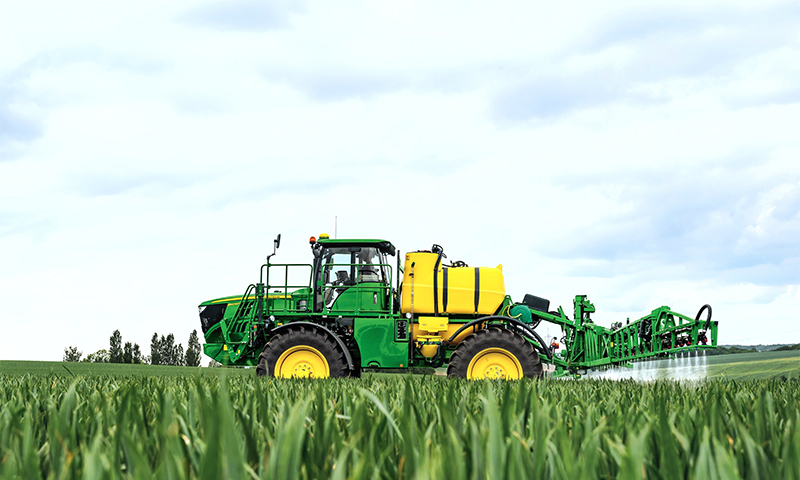 John Deere to unveil new sprayer at CropTech 2014