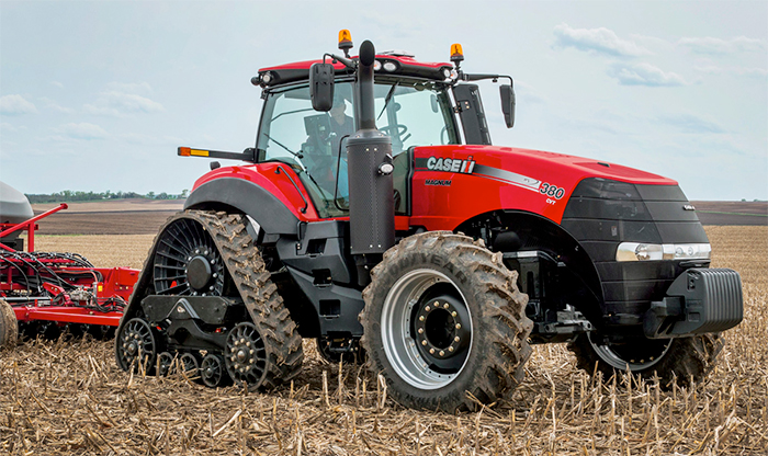 Case IH Magnum Rowtrac previewed at LAMMA 2015