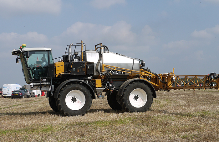 Latest Knight high-output sprayers at LAMMA 2015