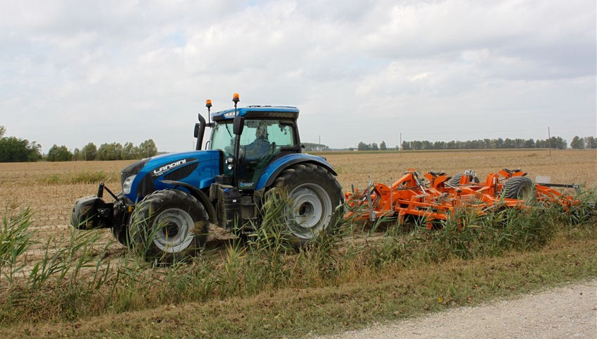 Landini 7 Series V-Shift with CVT transmision in action.