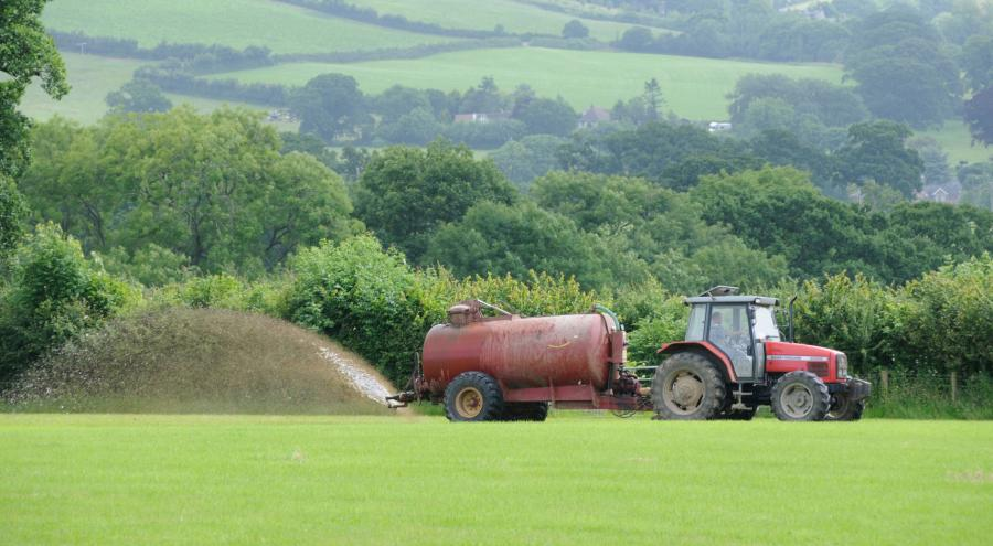 MPs to farmers: 'Use latest methods for managing manure and fertilisers to cut pollution'