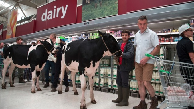 Northern Ireland dairy farmer strike now 'strong possibility'