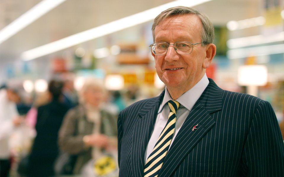 'Unique figure': Supermarket giant Ken Morrison dies at 85
