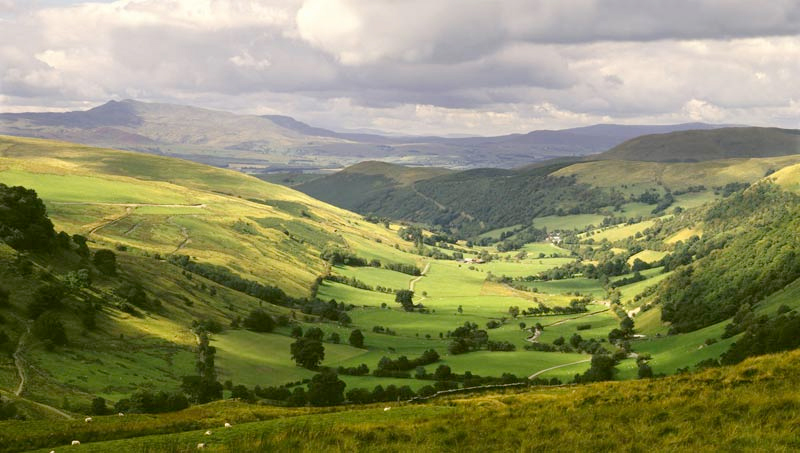 Welsh rural affairs secretary confirms £18m of funding for land scheme