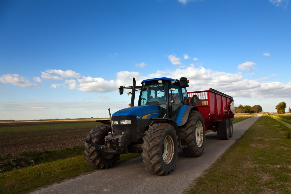 Government angers farmers by ditching plans to increase on-the-road weight limit for trailers
