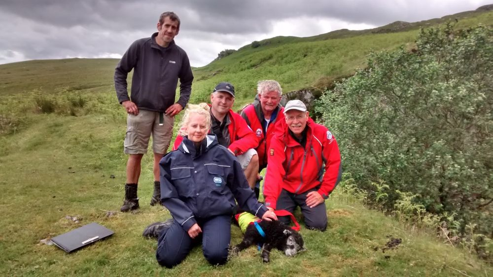 Mountain team rescue lamb trapped in quarry tunnel