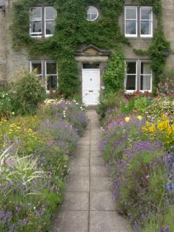 Three tourism providers win top National Park Bumble Bee B&Bs Awards