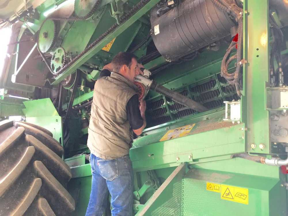 Farmers urged to #KeepItClean to stop spread of weed seed