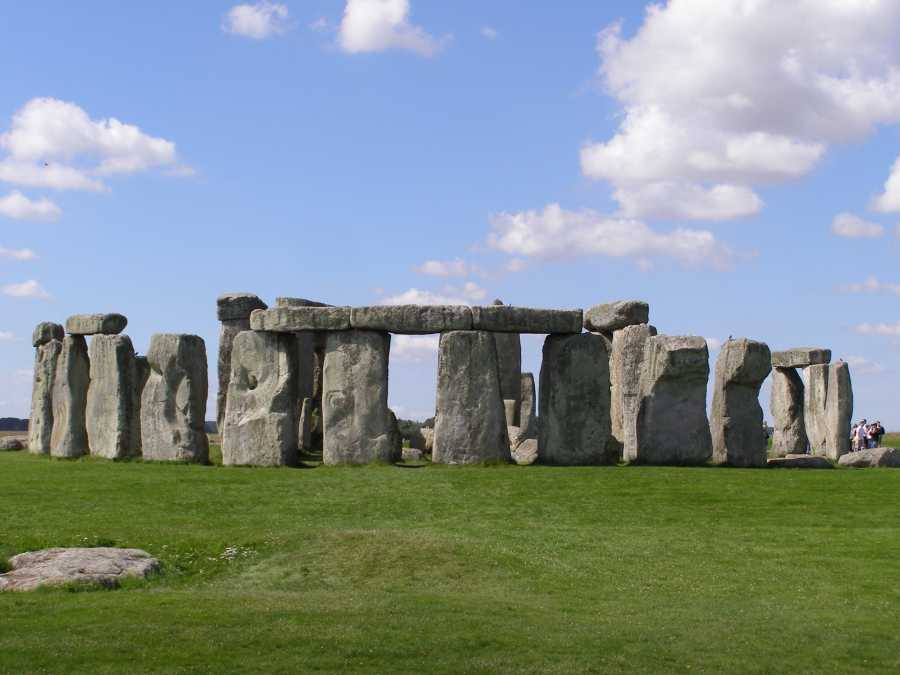 National Trust restricts access for dogs near Stonehenge due to sheep worrying