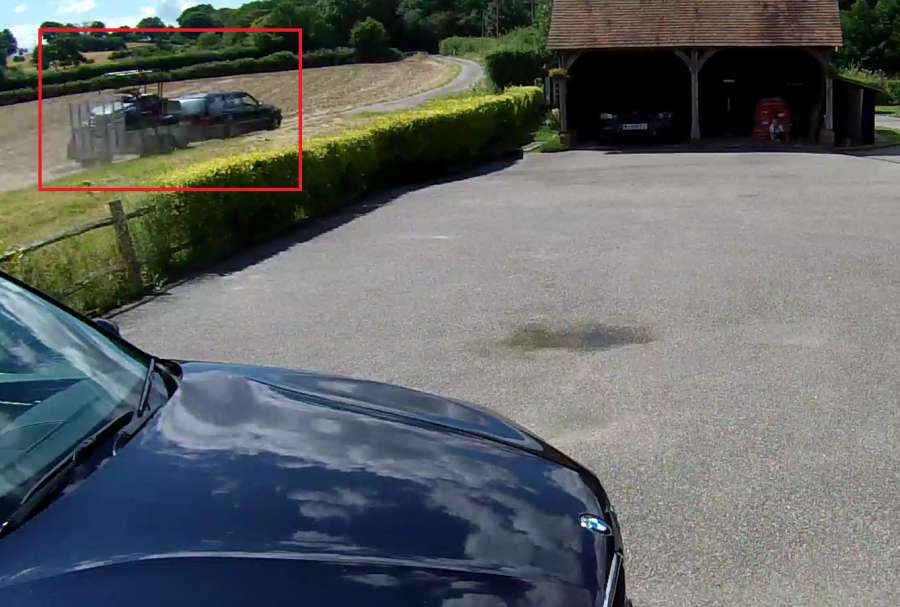 CCTV shows thieves steal off-road vehicle from farm in broad daylight