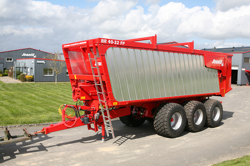 Jeantil to introduce a new Ejector Trailer to the UK market 2017