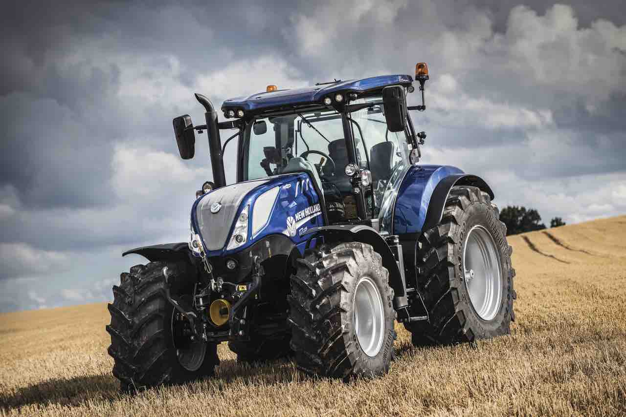 New Holland Tractor People : New holland launches year celebration photo