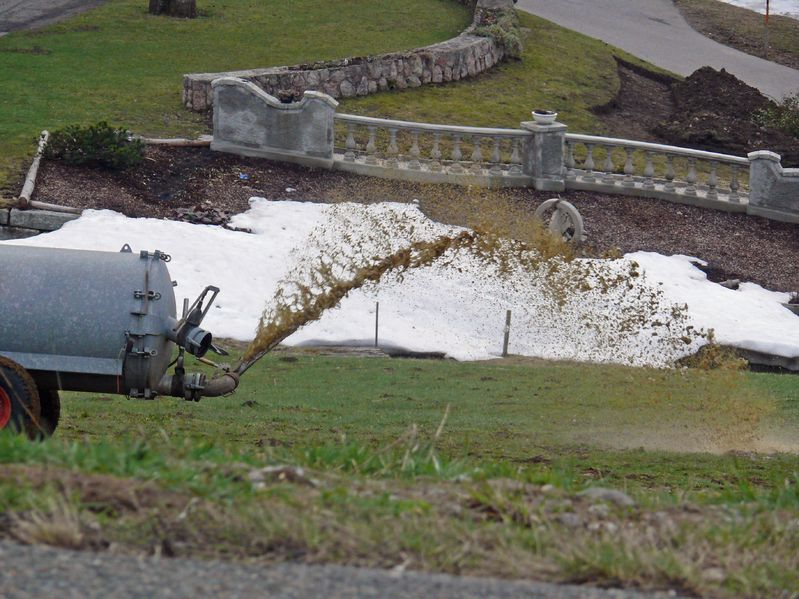 Union urges caution when spreading slurry due to poor ground conditions