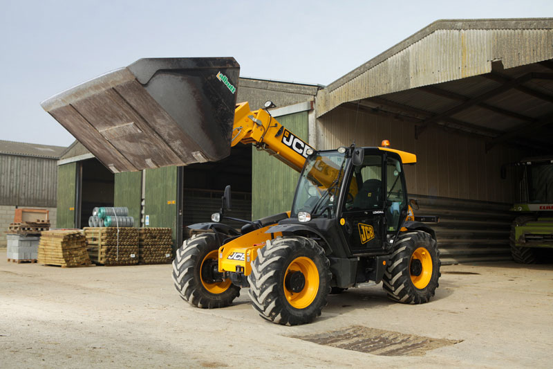 JCB Finance pledges its support to SMEs