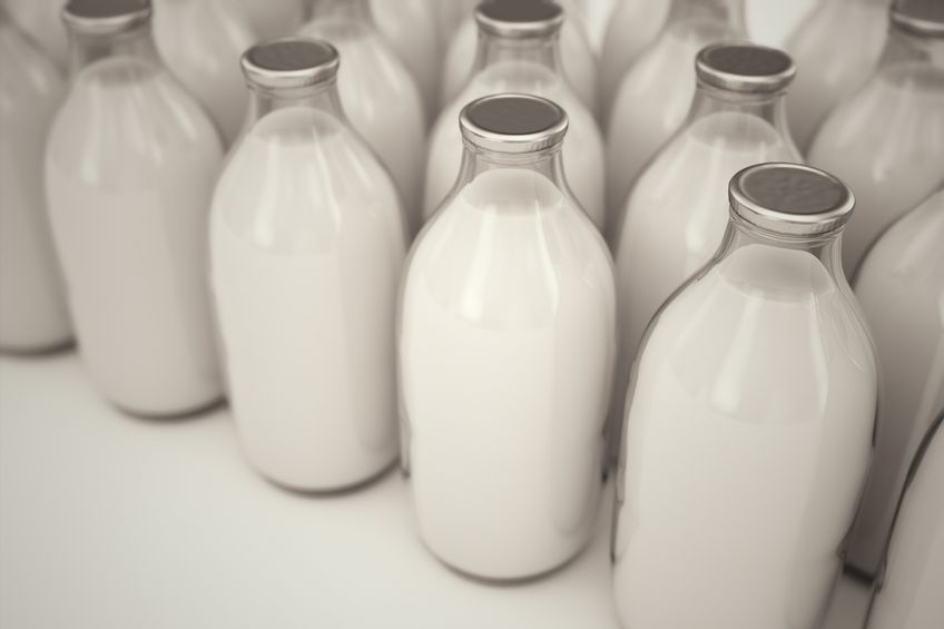 Unions welcome First Milk price hold but lambaste Muller for drop