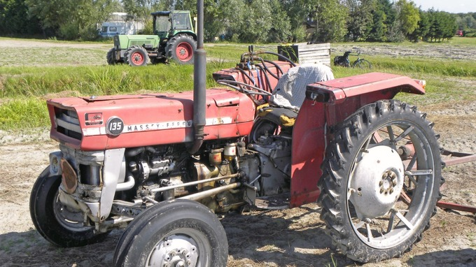 'Great sentimental value': Thieves steal twelve vintage tractors from farm