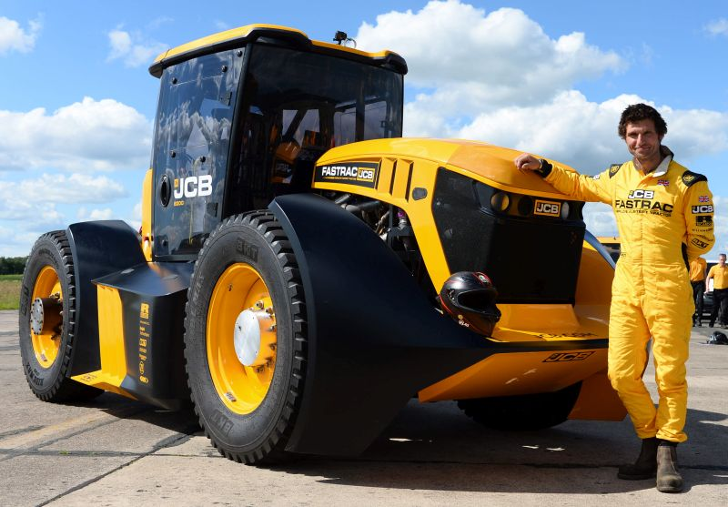 JCB sets speed record with 103 6mph tractor - FarmingUK News