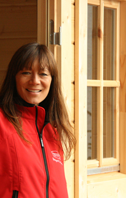 Anna Ryder Richardson publicly endorses FinEstAm Log Cabins on her TV Show due to be aired on 30th November 2008.