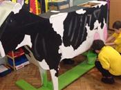 Primary school children learn about farm...