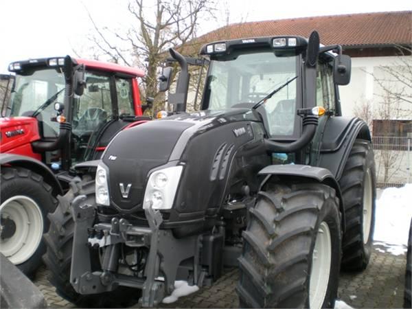 Valtra T153