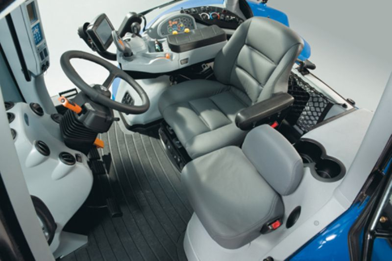 New Holland Series T8 Auto Command T8 390 From Farming Uk