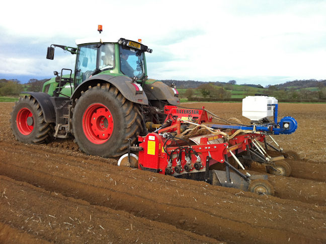 A two-bed version of the George Moate Tillerstar at  work.
