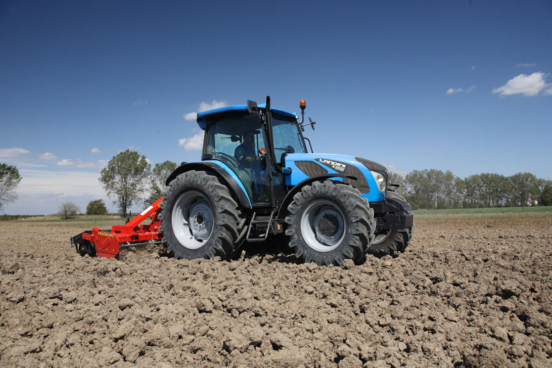 Dual Power on TOP versions provides extra muscle for road towing and working pto-driven implements.