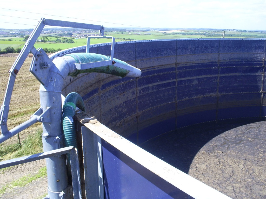 Covering a slurry store is good for the environment, reducing ammonia emissions and improving air quality