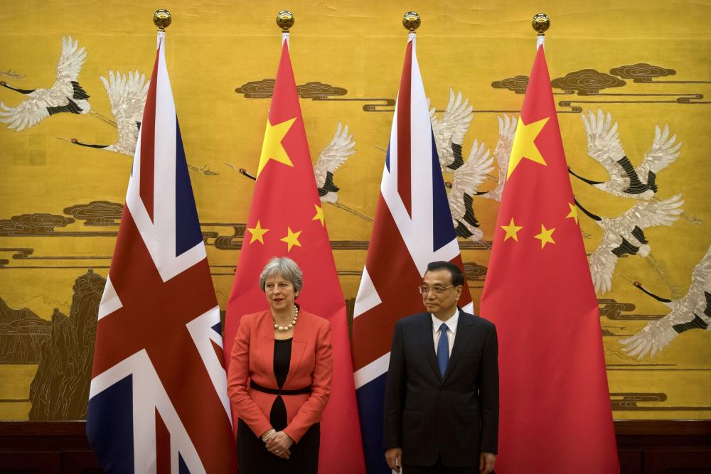 Prime Minister Theresa May met with China's second most important politician, Premier Li Keqiang, to discuss trade